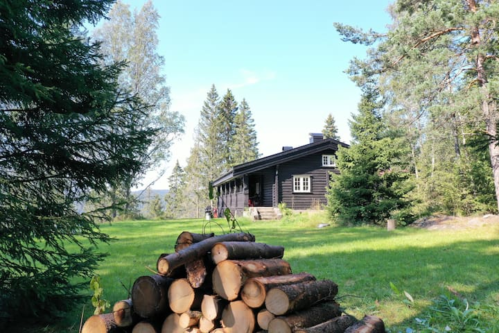 Traditional Log House in Oslo. 16+ guests.