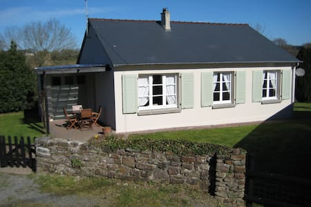 Cottage with pool. Sleeps 6. - Le Mesnil-Amand