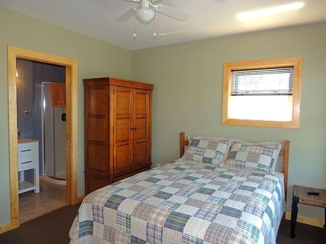Beautiful 5 bedroom 4.5 bath home in Cape Vincent - Cape Vincent - Casa