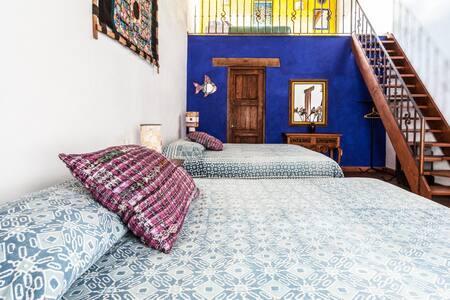 """La habitación MINK´A – """"Reciprocidad"""" (Quechua) con espacio y luz."""