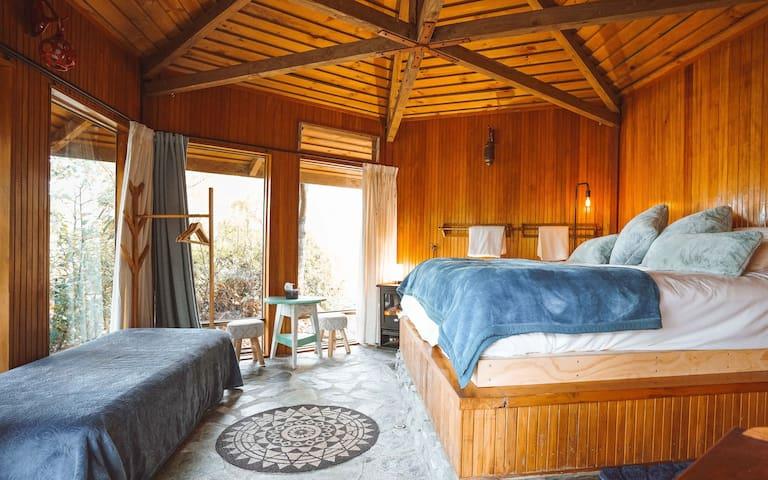 Ora° Retreat - The Bungalow Rustic Cabin
