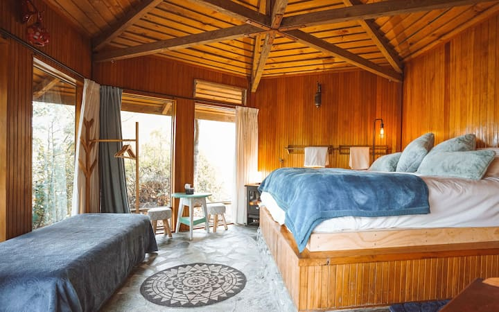 Ora° Retreat - The Bungalow Rustic Cabin
