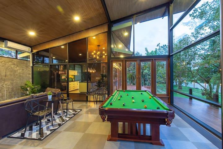 Bangkok Garden Villa, Basketball Court, Pool Table