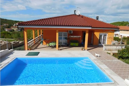 2 Bedrooms Home in Sorici - Sorici