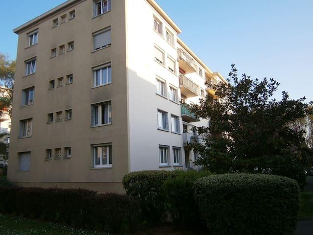 St Michel/Orge Apt 70m² proche de Paris au calme. - Saint-Michel-sur-Orge - Apto. en complejo residencial