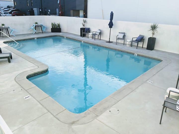 Brand New Modern Luxury Studio•Pool•BBQ•Beach