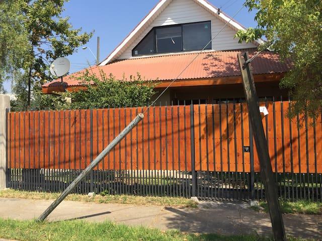 Amplia Habitación con balcón - Curico - Σπίτι