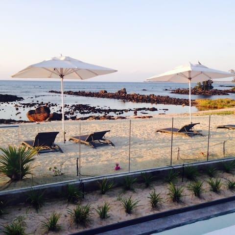 Exquisite, Spacious Private Beach Villa