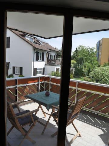 NEUE helle Wohnung mit schönem Balkon