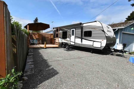 Experience City Glamping, North Tacoma Privacy