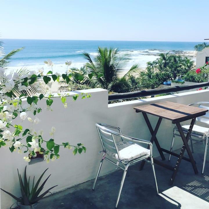 Beachfront paradise UPPER ROOM