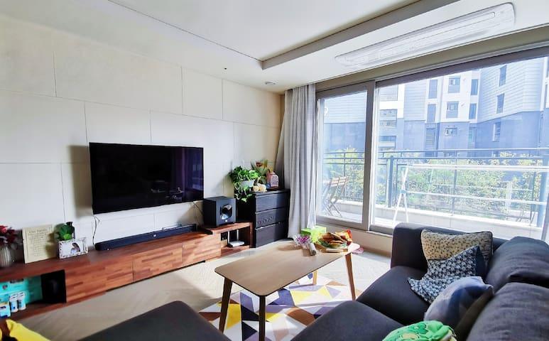 ♥new apartment sweet night♥全新高端公寓 温馨阳光房 近地铁站机场巴士
