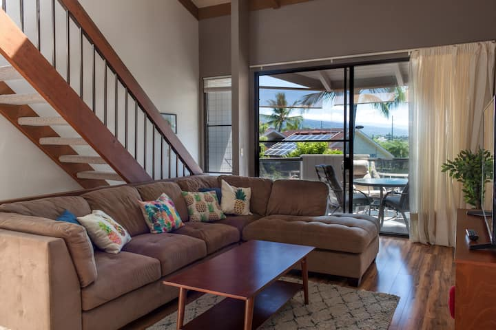 3BR in DTWN Kona! ❀ Walk to Shops, Food & Beach!