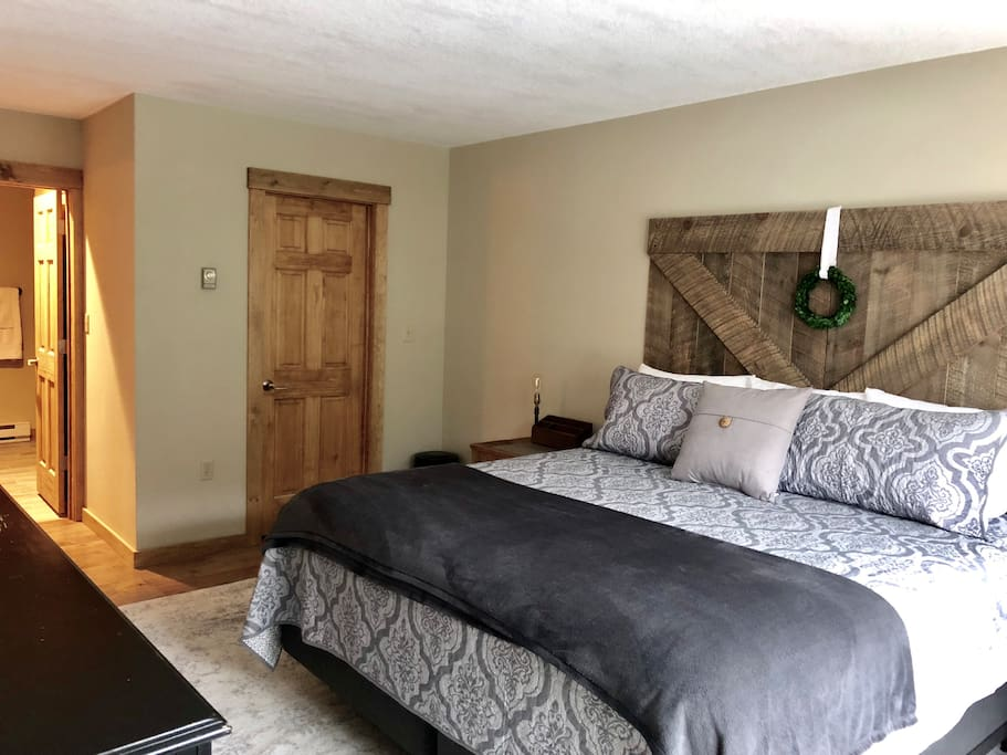 Master Bedroom - Brand New KING (4/2018) Simmons BeautyRest Mattress (covered with professional grade Protect-A-Bed brand Allergen & Bug Proof protectors). Walk-in closet. In-Suite Master Bath