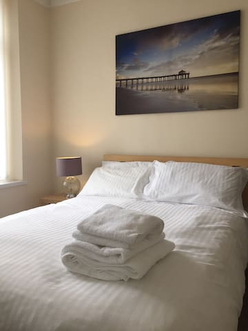 James' Place self Catering Studio - Caeharris - Apartamento