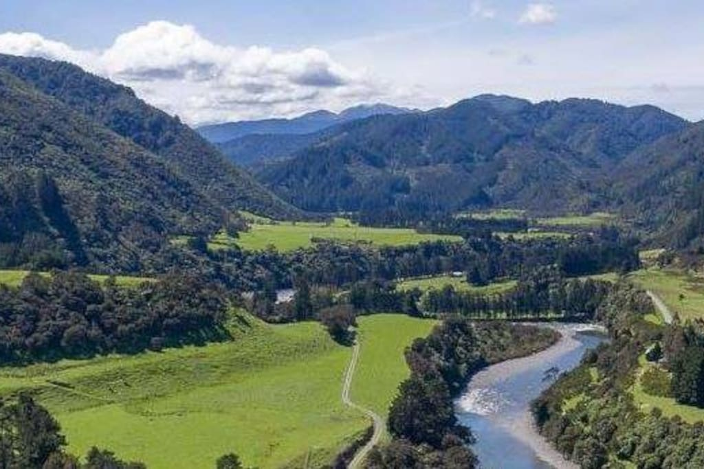 Waiohine river valley