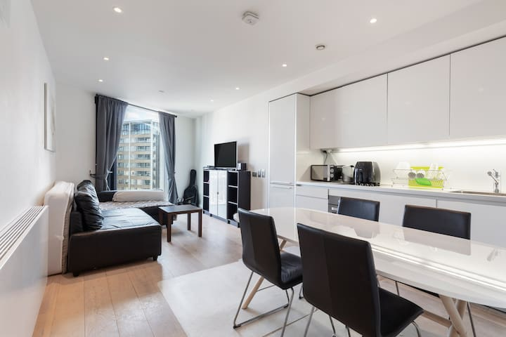 Chic 1Bd Apt in Elephant and Castle w/ great views