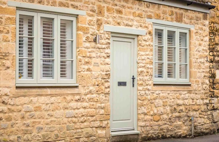 Welcome to Brook Cottage, a beautiful cottage in the heart of Chipping Campden