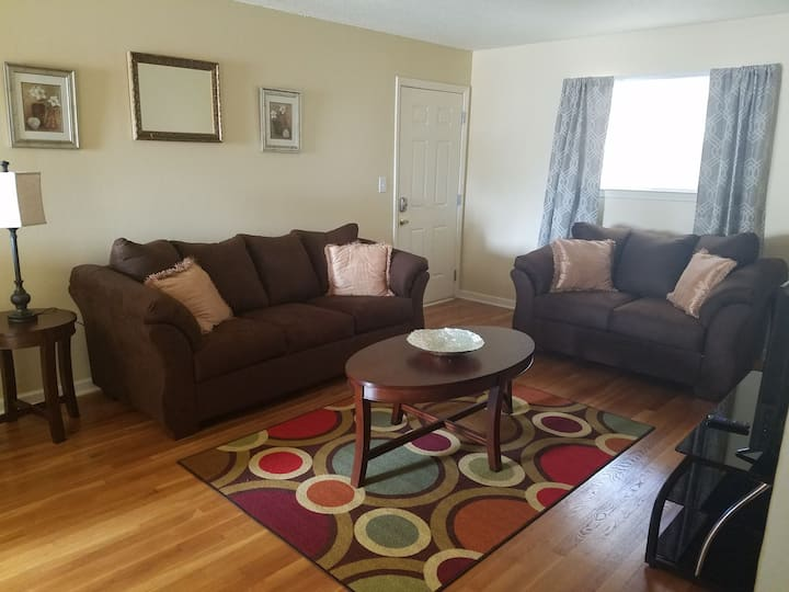 Cozy Athens Condo - Your Home Away from Home!