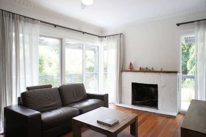 Healesville House - leafy, peaceful, central