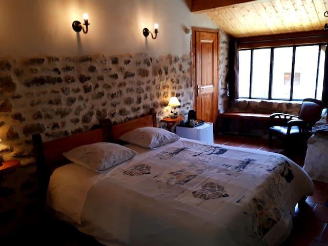 Les Gîtes Du Couvent Ardèche Chambre d'hôte double