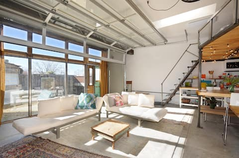 The Sunny Studio * Close to The Plaza & Railyard *