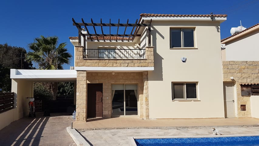 Luxury detached Golf villa with pool