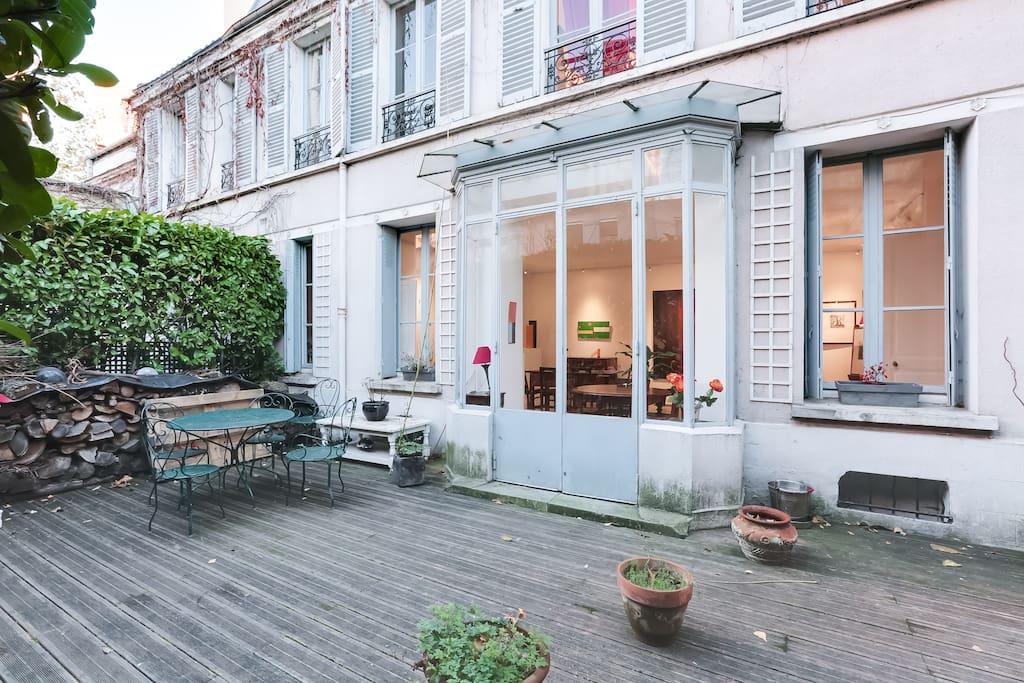 havre de paix avec grande terrasse aubervilliers maisons louer aubervilliers le de. Black Bedroom Furniture Sets. Home Design Ideas