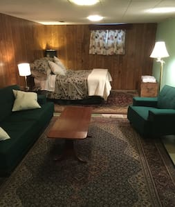 Large Private Room - Kitchener - House