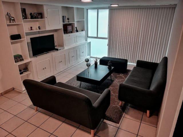 Hermosa Habitación Remodelada!!