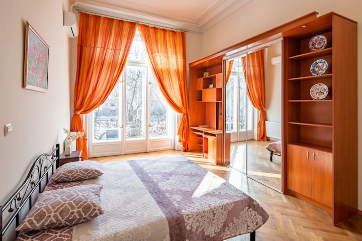 Grand Lviv Apartment II (2 of 3)