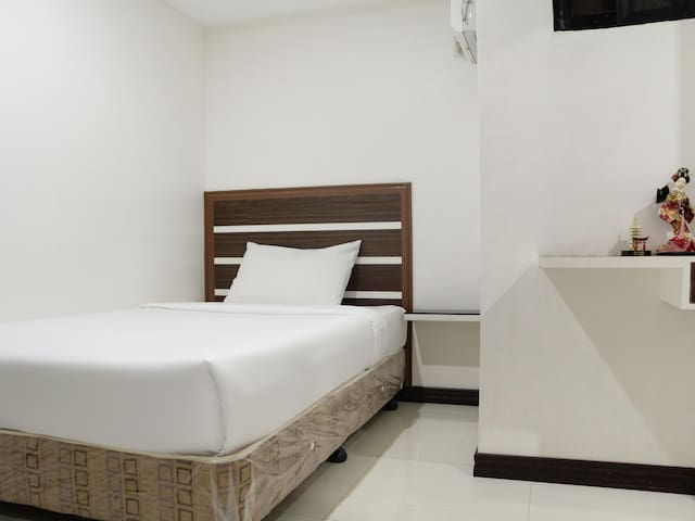 Standard single In Circle-b Apartelle & Suites