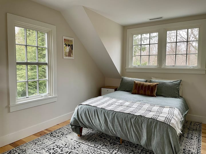 Historic Easton Home - Private Floor