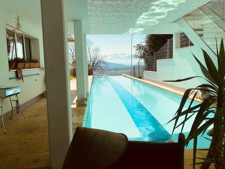 Paradise Pool ap/heated Out door pool/sauna/ villa
