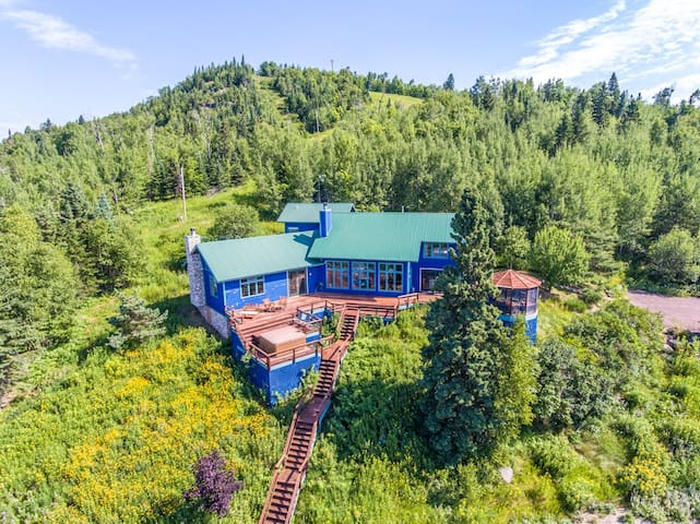 Blue House is a recently updated luxury home located  on Lutsen Mountain with a views of Lake Superior from nearly every room.