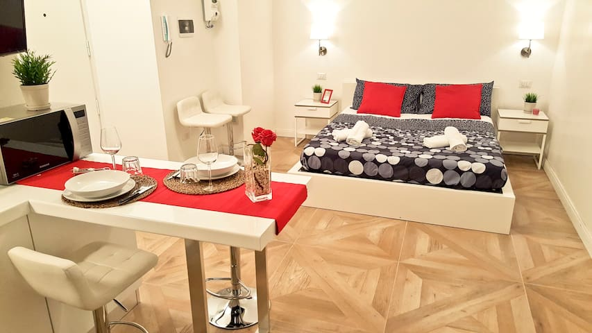 Bright apt in the heart of Milan, 5 min from Duomo