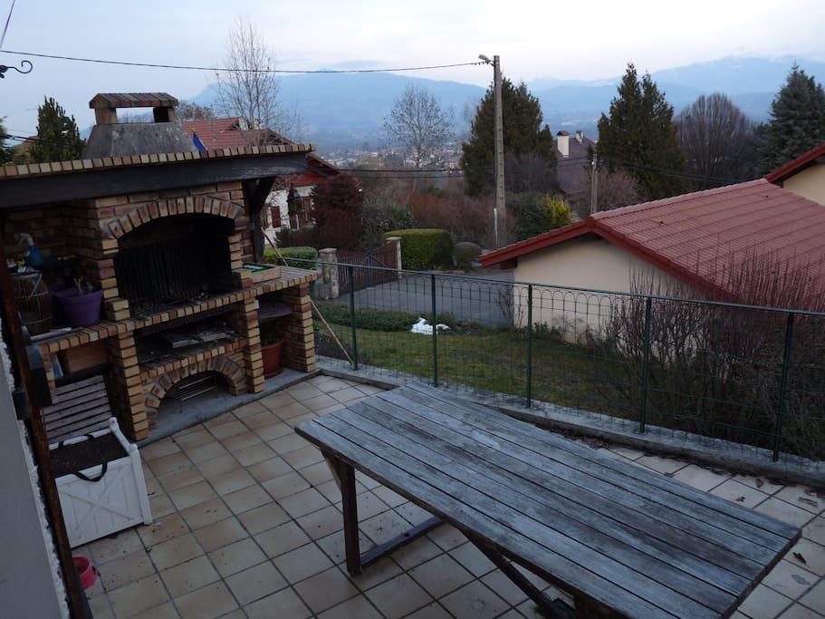 Terrasse pour profiter de la belle vue l'été