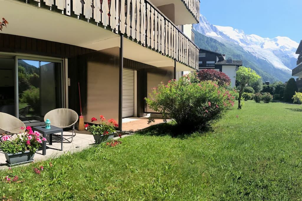 Terrace during the summer with Mont Blanc view