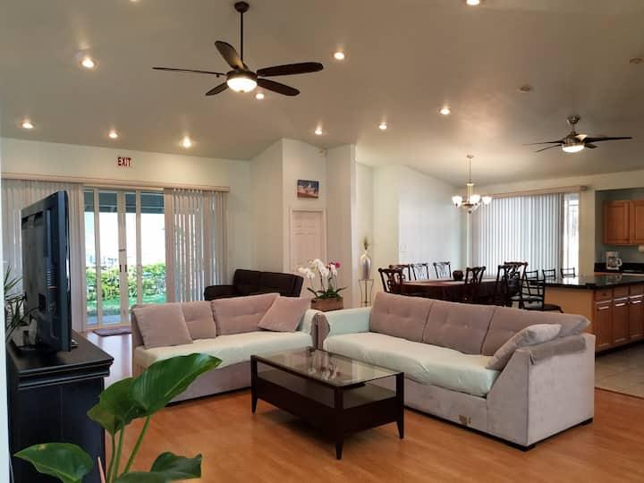 Maui Home, 3 Bedrooms, AC, Big Open Living Room