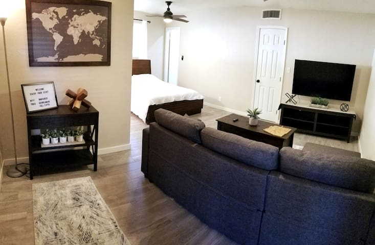Comfortable Private Guest Suite in Tempe!