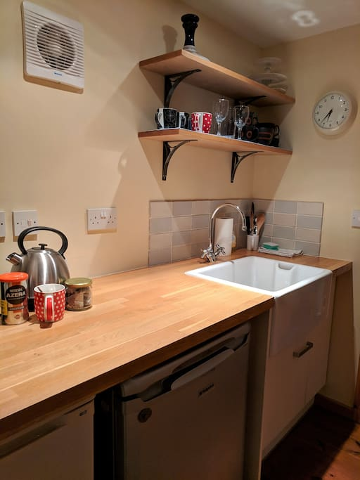 Great kitchen area with butler sink