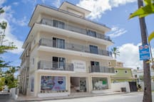 New apartments located at the best place (Los Corales) central to everything Amazing apartment, very spacious. Spa, just 1 minute walking distance restauarnts, supermarket, bars, pharmacie, public transportation and more...