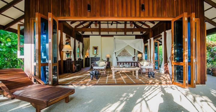 Luxury Two Bedroom Beachfront Villa Hideout