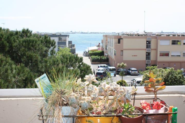 Grand T2 avec vue sur mer, plage, commodités - Balaruc-les-Bains - Apartamento