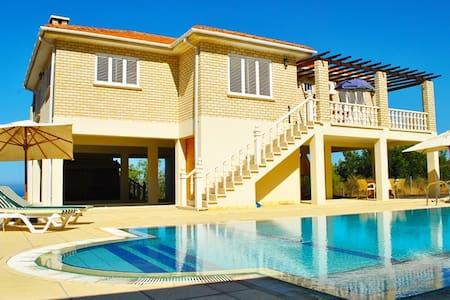 KB441- Detached Villa 3 bdr with pool&jacuzzi - Lapta