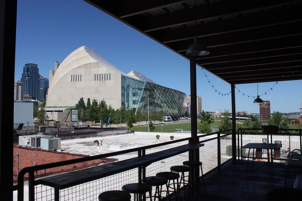 Enjoy your coffee and nightcaps on the balcony with incredible views of the world-renown Kauffman Center for Performing Arts and downtown Kansas City.