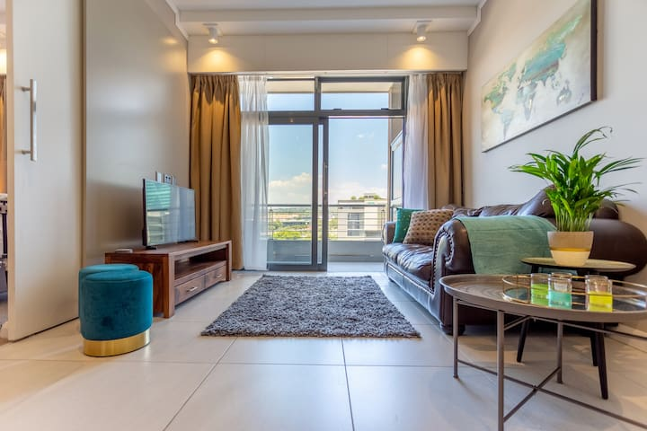 Elegant Menlyn Maine apartment