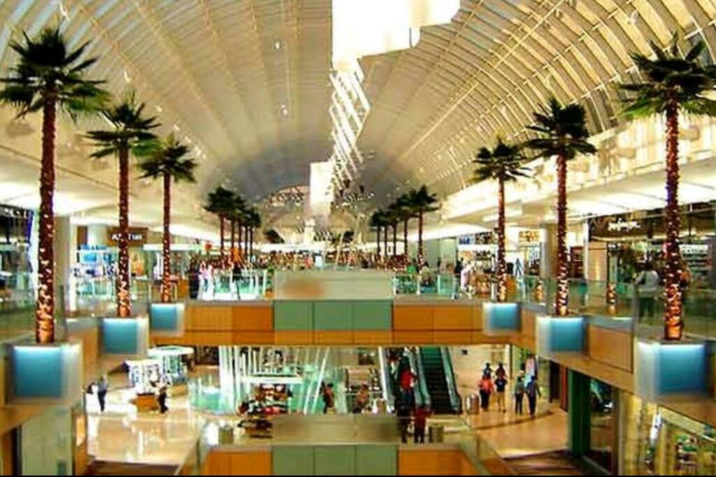 Galleria Mall 2 min away