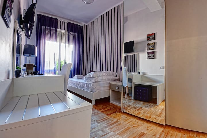 Single with Bathroom in Luxury B&B City Center