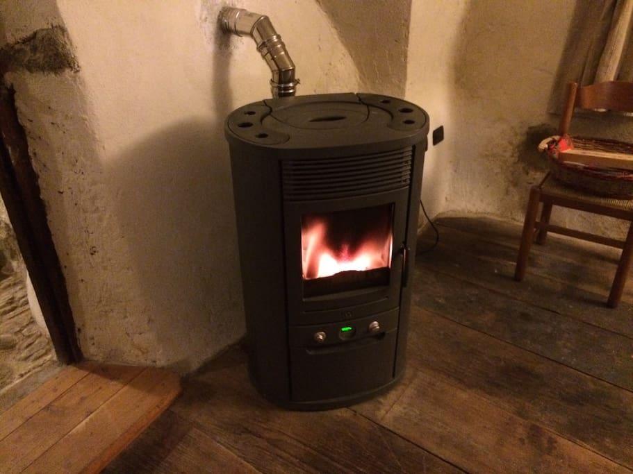 Stufa a pellet/pellet stove
